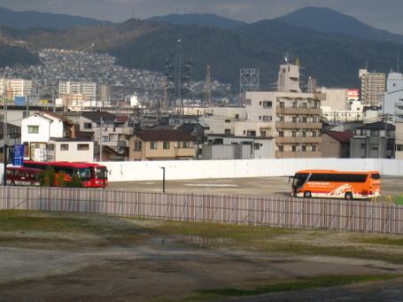 バス駐車場0403.JPG