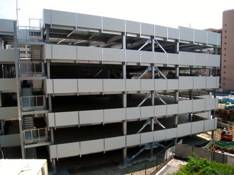 駐車棟1.JPG