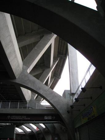 コンコース屋根.JPG