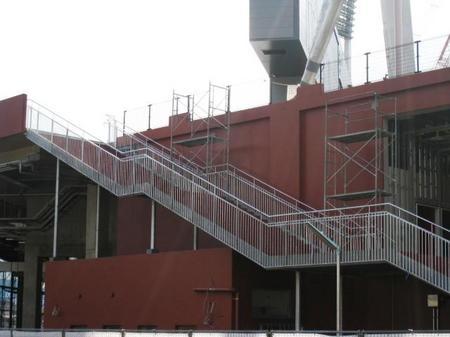 センター後方階段.JPG