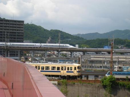 新幹線と山陽線.JPG