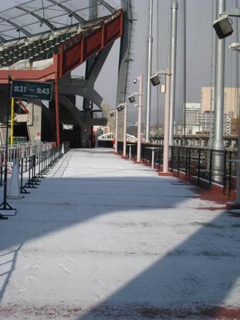 コンコース雪3.JPG