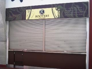 ROOTERS.JPG